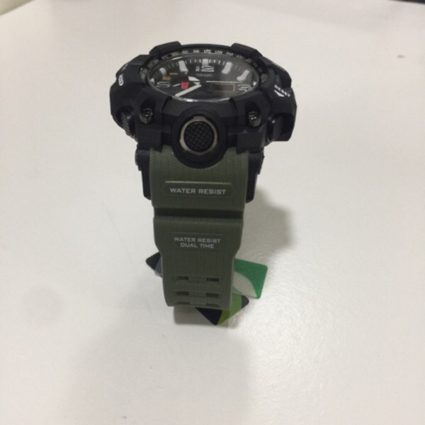 Used Green Smael watch with metal box in Dubai, UAE