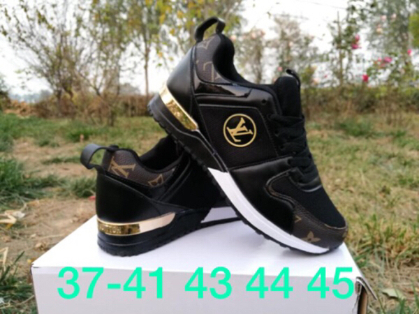 Used New lv shoes best quality(size 40 to 45) in Dubai, UAE