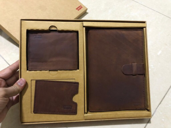 Used Limited edition Levi's gift pack in Dubai, UAE