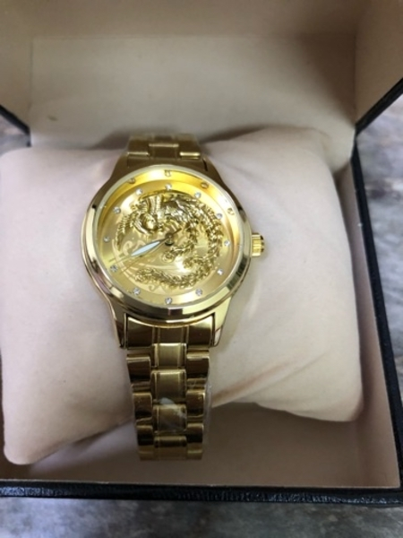 Used Gold watch brand new in Dubai, UAE