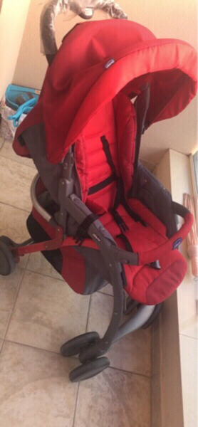 Used Chicco pram used only for a month in Dubai, UAE
