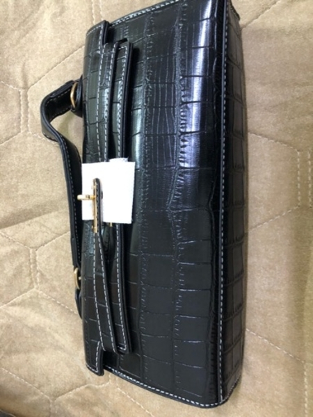 Used purse brand new in Dubai, UAE