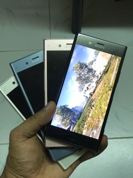 Used Sony xperia xz1 64 gb 4 gb ram in Dubai, UAE