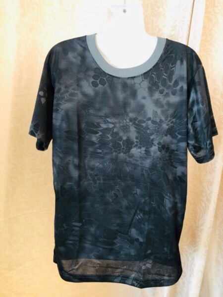 Used Men's T-Shirt size XL in Dubai, UAE