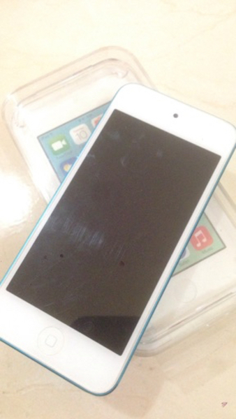 Used iPod touch 5th Generation in Dubai, UAE