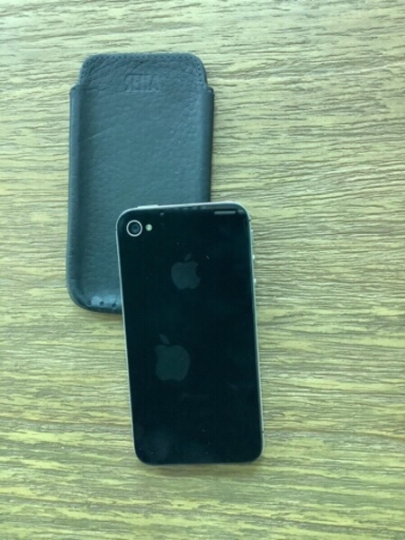 Used iPhone 4S (3 pieces) in Dubai, UAE