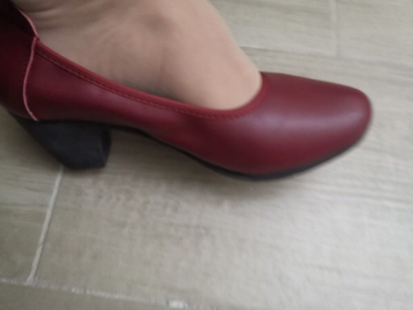 Used comfy shoe. Beat naturalizer,size37-43 in Dubai, UAE