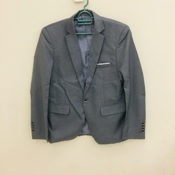 Used Brand new Elegant 3 pieces suit size L in Dubai, UAE