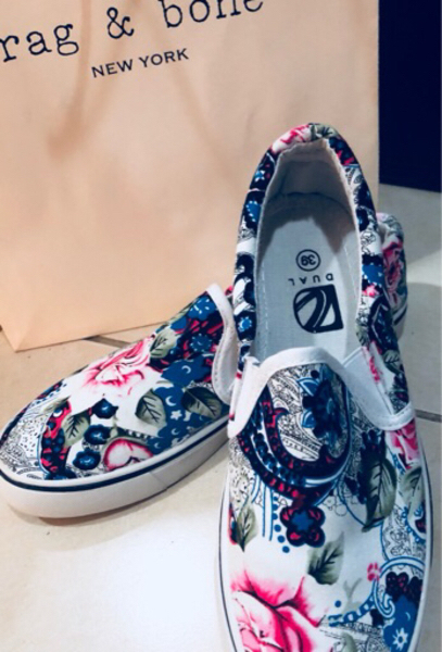 Used Casual floral shoes in Dubai, UAE