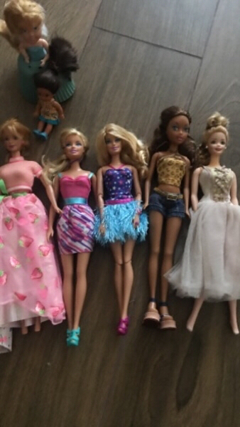 Used Barbie doll bundle! in Dubai, UAE