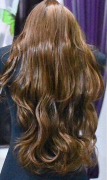 Used 3 Different Colors of Long Wavy Wigs in Dubai, UAE