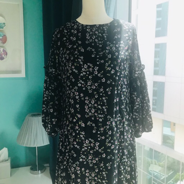 Used Long Floral Dress - Free Size Black in Dubai, UAE