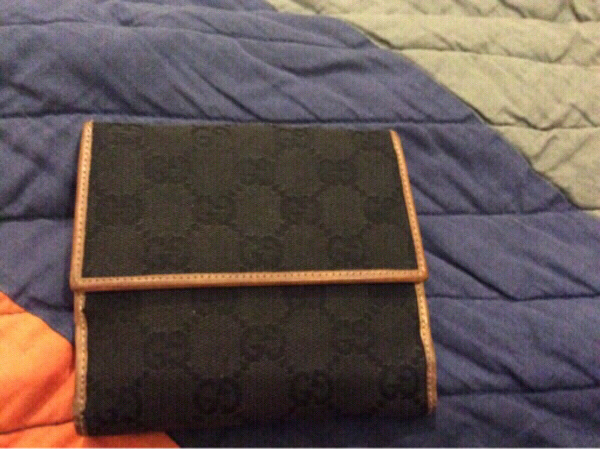 Used Gucci flap gg wallet unisex original in Dubai, UAE