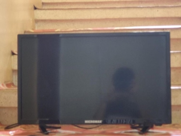 Used Good tv for gaming and other thing in Dubai, UAE