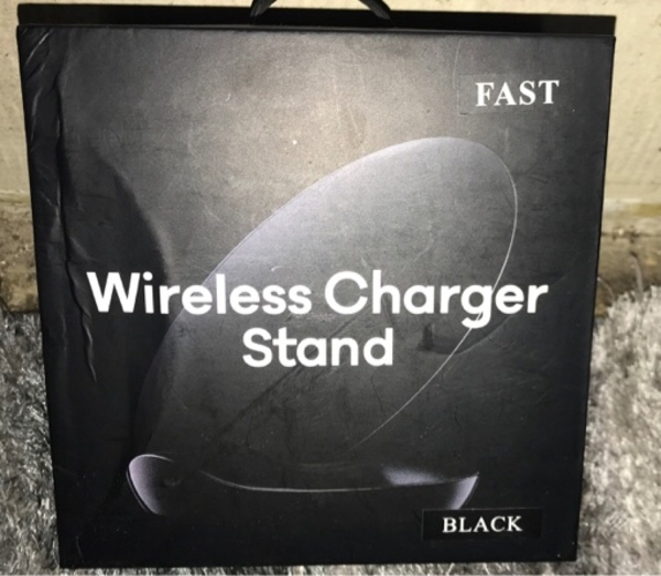 Used Wireless charger stand for any phones in Dubai, UAE