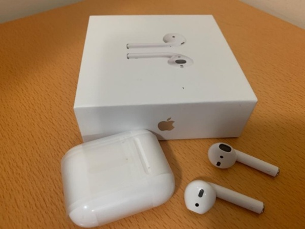 Used Apple Airpod 2 Master Copy in Dubai, UAE