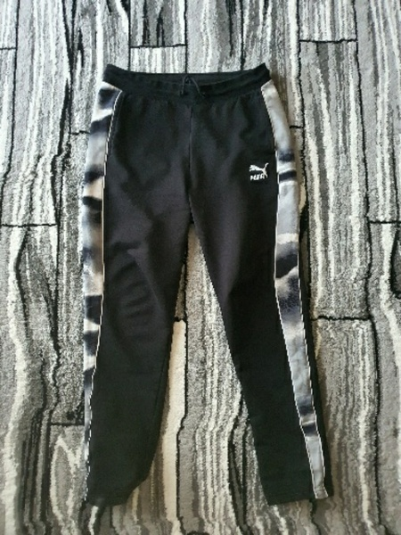 Used Women puma pants small in Dubai, UAE