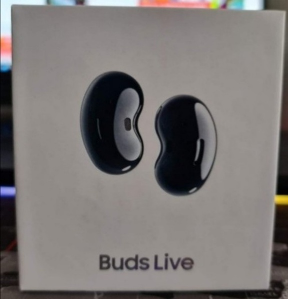 Used Samsung buds live get now in Dubai, UAE