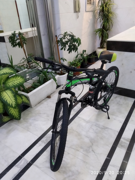 Used Brand new Land Rover Bicycle.. in Dubai, UAE