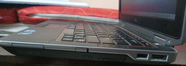 Used DELL LAPTOP 512 GB MEMO 8 GB RAM CHARGER in Dubai, UAE