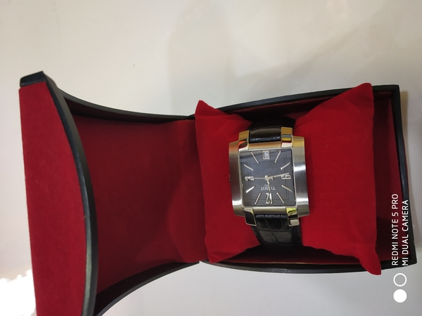 Used Watche Tissot Black original in Dubai, UAE