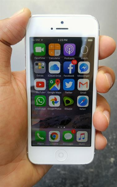 Used Apple iPhone 5 32GB with face time good condition Silver in Dubai, UAE