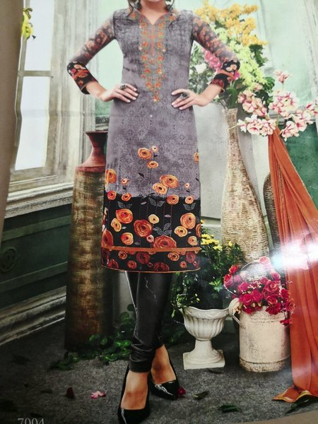 Used Crepe dress material with strone work in Dubai, UAE