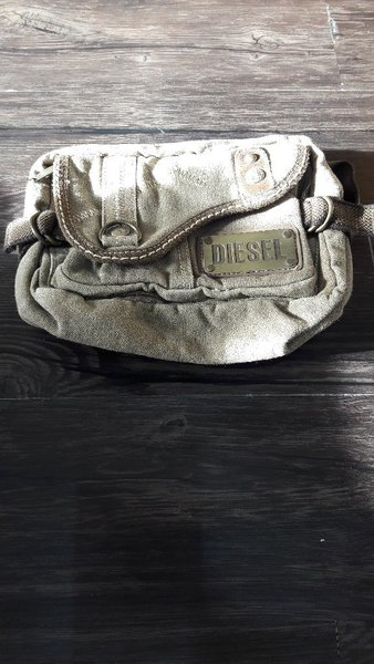 Used Bundle offer handbags backpack passport in Dubai, UAE