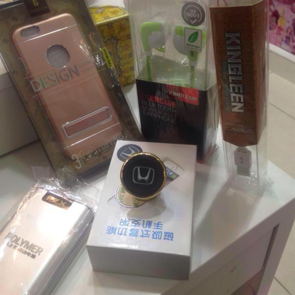 Used Unbeatable Offer, 20000 Mah Power Bank. Magnetic Mobile Holder. 1.5 Cable Charger 1.5 M For Iphone And Samsung .   in Dubai, UAE