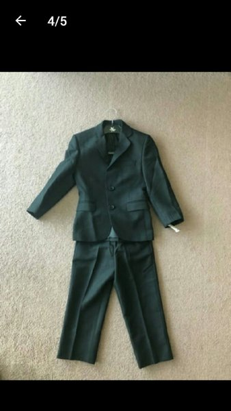 Used Blazer n coat for  4 to 5 year excellent in Dubai, UAE