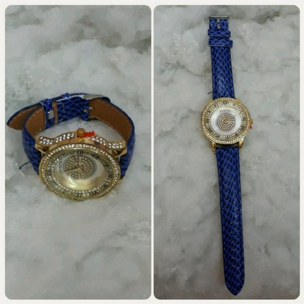 Used Casual watch gold/ blue color New in Dubai, UAE