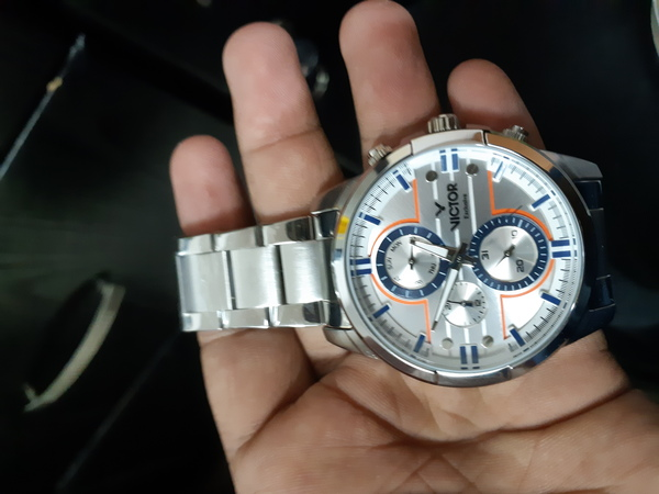 Used Victor watch with 11 month warrenty. in Dubai, UAE