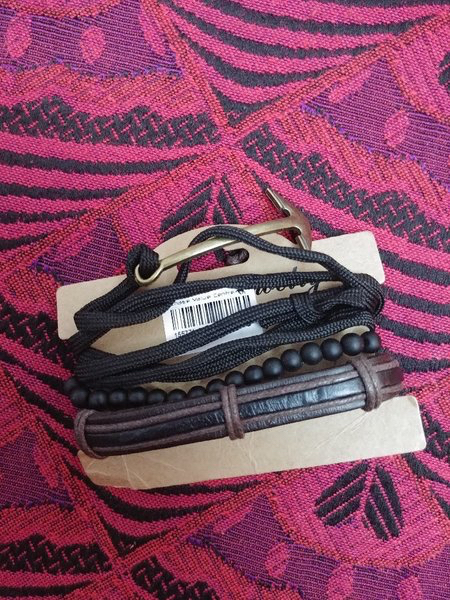 Used Men's 3 piece Fashion Accessorie in Dubai, UAE
