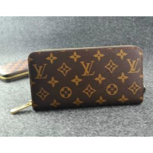 Used Louis Vuitton wallet for women in Dubai, UAE