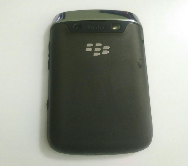 Blackberry Bold - used with small scratc