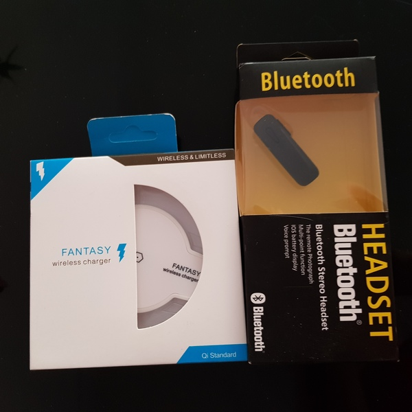 Used New wireless charger+bluetooth headphone in Dubai, UAE
