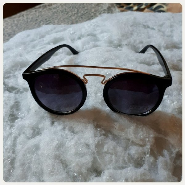 Used New black sungglass for lady in Dubai, UAE