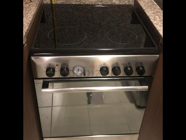 Used Ariston cooker 60 cms full electric in Dubai, UAE