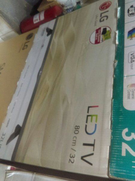 "LG brand new 32"" FULL HD TV"