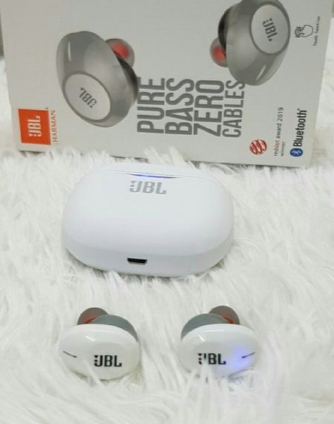 Used Jbl earbuds pure bass in Dubai, UAE