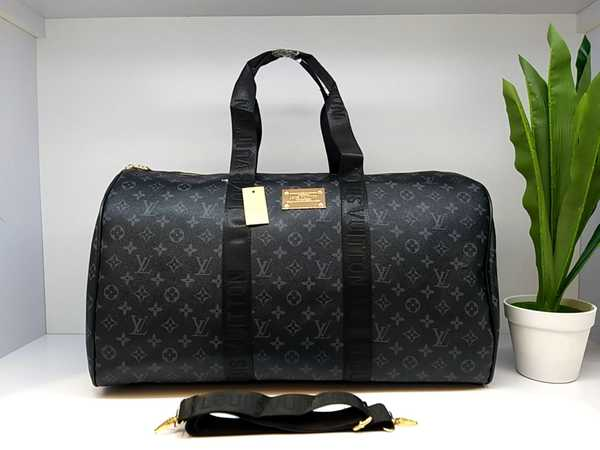 Used Gucci and Louis Vuitton Hand Bags! in Dubai, UAE