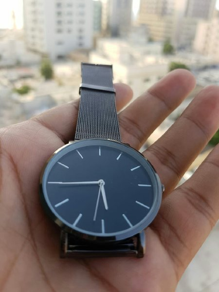 Used Ultra Slim▪Mesh steel▪JapanQuartz▪Unisex in Dubai, UAE