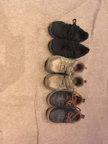 Used baby shoes 3 set for age of 2 to 3 year in Dubai, UAE