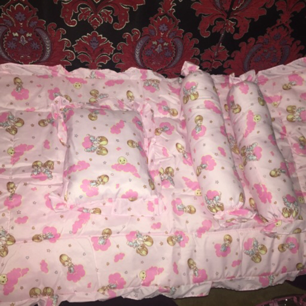 Complete set baby pillows and bedings