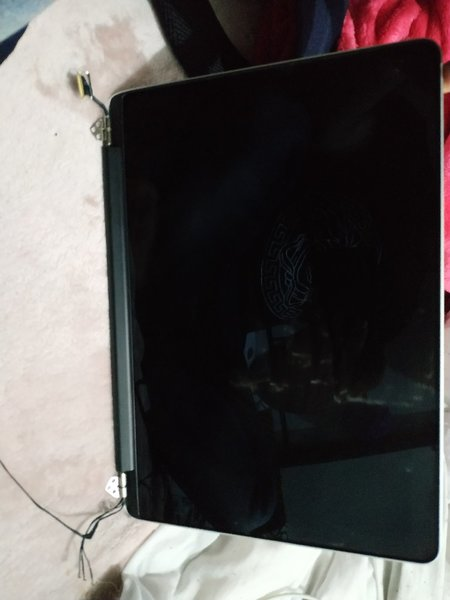 Used MacBook pro Retina 13.3 lcd broken in Dubai, UAE