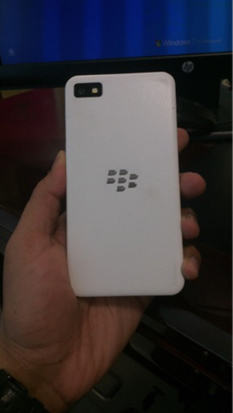 Used Blackberry z10 with Charger in Dubai, UAE