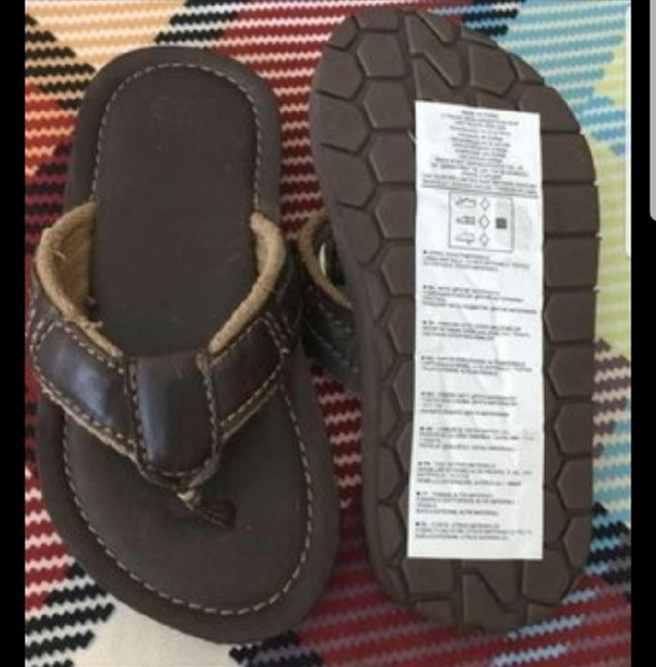 Used Bundle gap slipper +3new kids item in Dubai, UAE