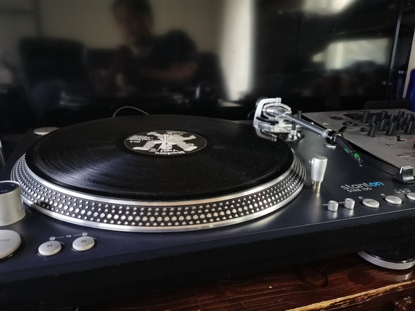 Used Scratch Turntable and Mixer in Dubai, UAE