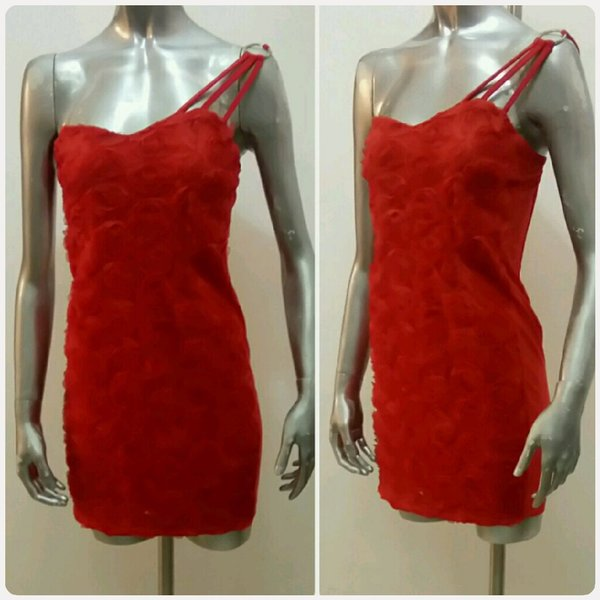 Used Red of shoulder Short dress fashions.. in Dubai, UAE