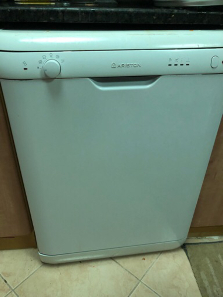 Used Dishwasher for urgent sale in Dubai, UAE